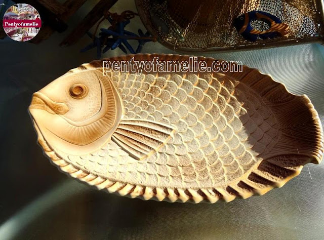 Adorable Vintage Large Fish Serving Dish, Wall Plate Decor Idea in Brown Beige