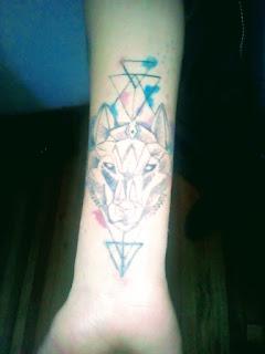 Una forma de vida y salud con tatuajes y pirsin ?