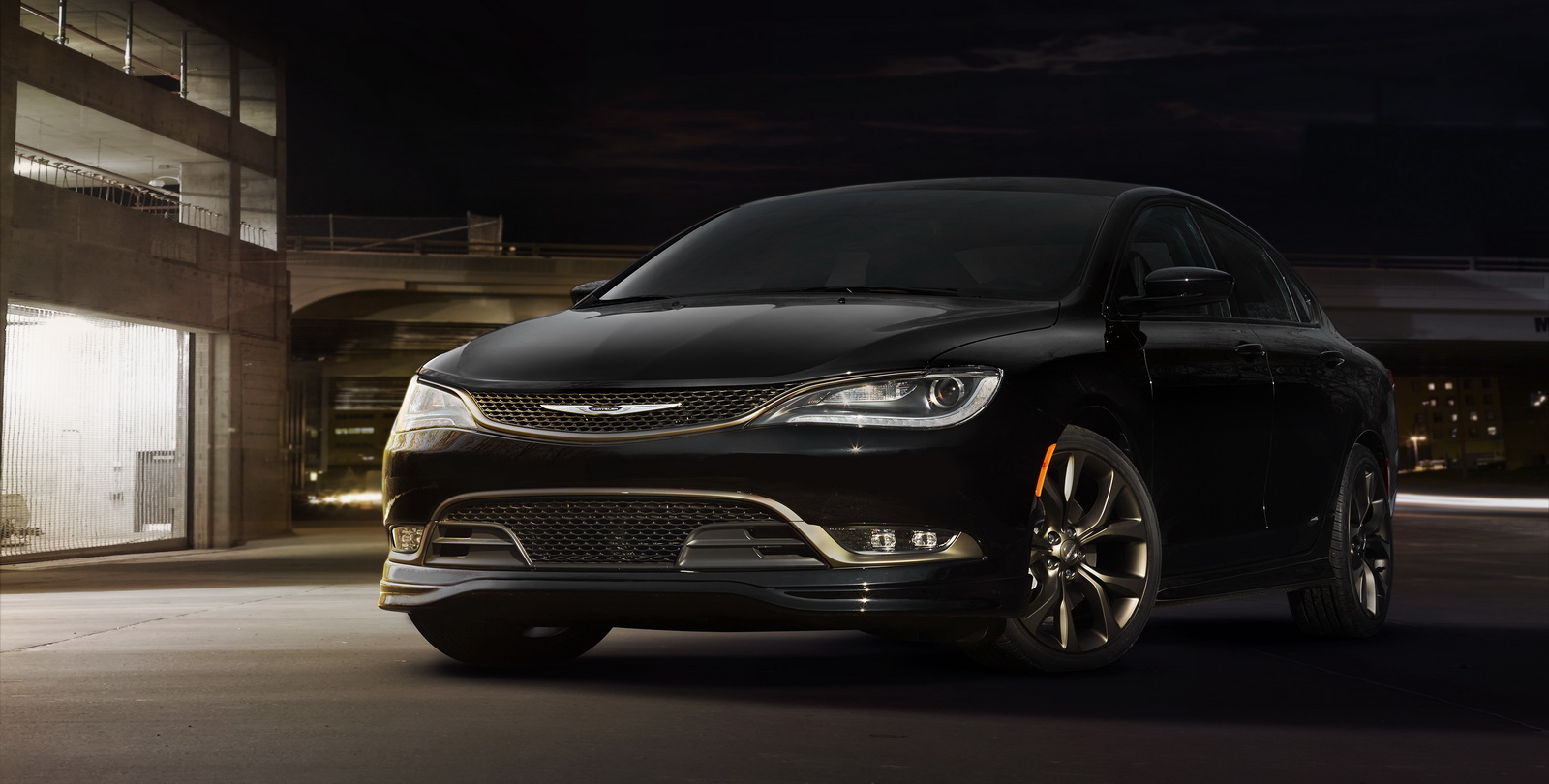 Chrysler reveals bolder looking 200s and 300s alloy - 2016 chrysler 200 interior lights ...