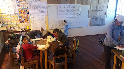 Beim Unterricht in der Schule von Relave