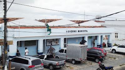 PREFEITO DE SÃO JOAQUIM DO MONTE SE DEPARA COM CAOS ADMINISTRATIVO