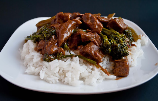 Crock Pot Beef and Broccoli | Neighborfoodblog.com