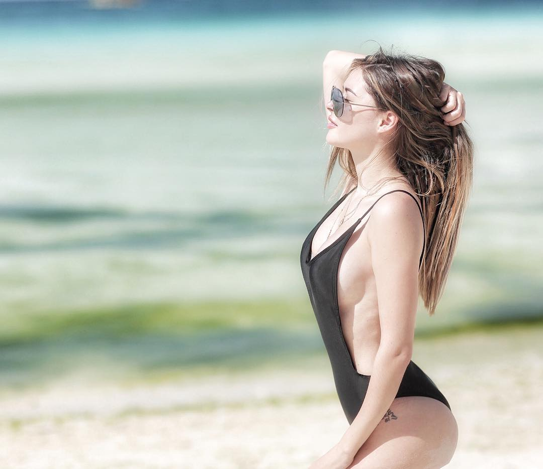 daiana menezes sexy one-peice bikini pics 01