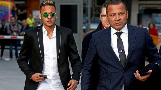El padre de Neymar desmiente que su hijo haya renovado con el Barça
