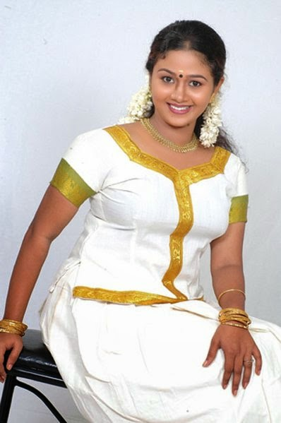 Saranya Sasi Hot Pics_Malayalam Serial Actress Saranya Sasi Hot Photos