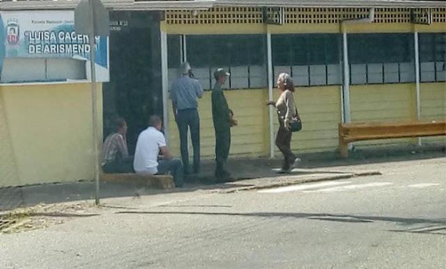 La ausencia de miembros de mesa y soledad en los centros fue la constate de este 9Dic en Táchira