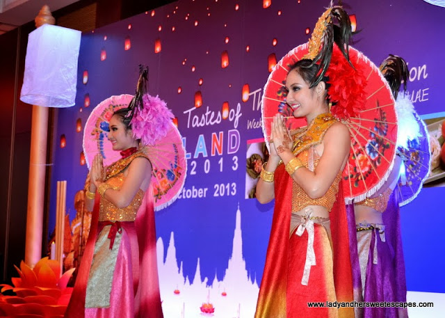 Thai cultural dance during the launching of Amazing Tastes of Thailand Fest 2013