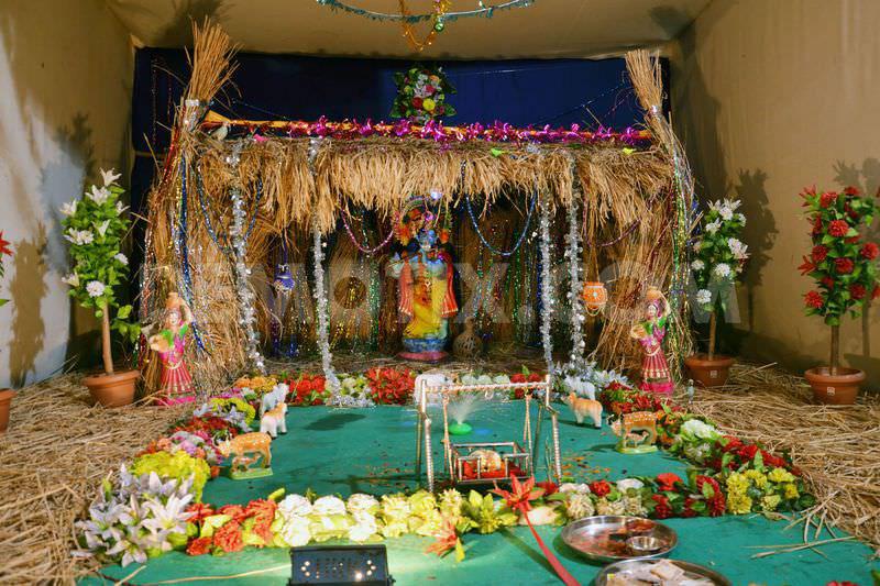 Shubh Krishna Janmashtami 2016 Jhula Decoration Ideas With Lights