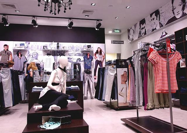 Thiết kế shop thời trang nhỏ đẹp - Mẫu số 6