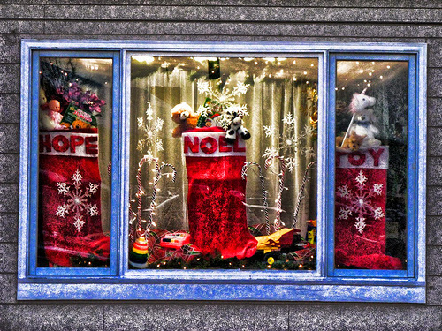 Christmas is a great reason to clean your windows (or let us)!