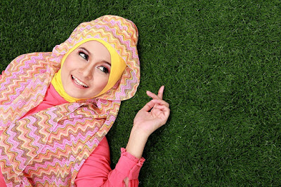 Tujuh Tips Jaga Rambut Tetap Sehat Meski Seharian Berhijab 16