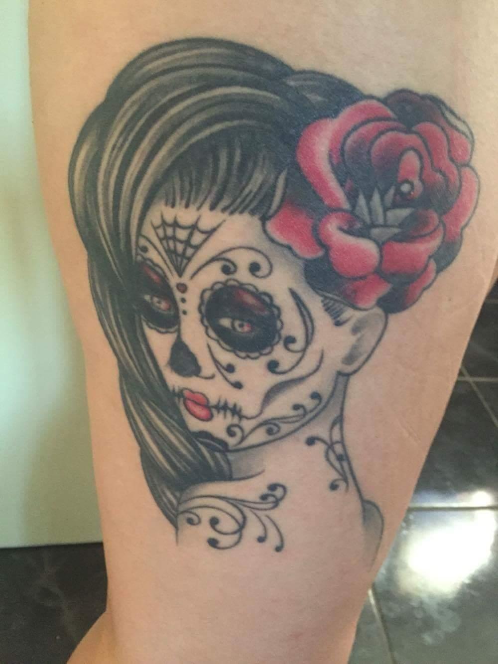 Miss Jenny Choux Pin Up Style Tatouage Et Pin Up