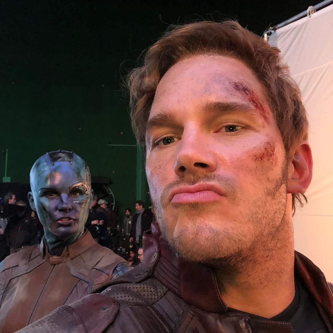 Avengers Endgame : 史上最大の封切りヒットを果たした「アベンジャーズ : エンドゲーム」の撮影時に、スター・ロードのクリス・プラットが、マーベルの掟を破り、スマホのカメラにおさめていたシネマティック・ユニバースのオールスター大集合の貴重なスパイ・ビデオ ! !