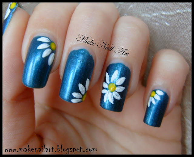Make Nail Art: Daisies Nail Art Tutorial