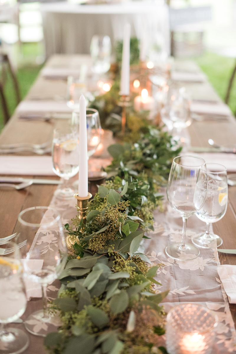 Table Decor / Montana Wedding / Photography: Kelly Kirksey Photography / Planner: Tanya Gersh Events / Florist: Mum's Flowers