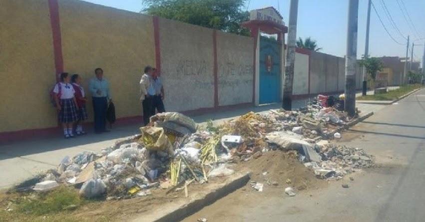Colegio «Rosa Flores de Oliva» se convirtió en botadero de basura afectando a 1 500 alumnos en la región Lambayeque