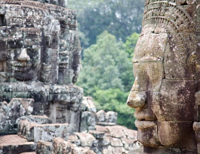 Xvlor Bayon is Buddhist and Hindu hybrid temple by King Jayavarman
