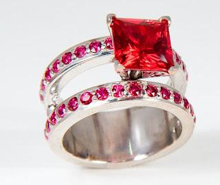 10-anillo-rojo-rubi