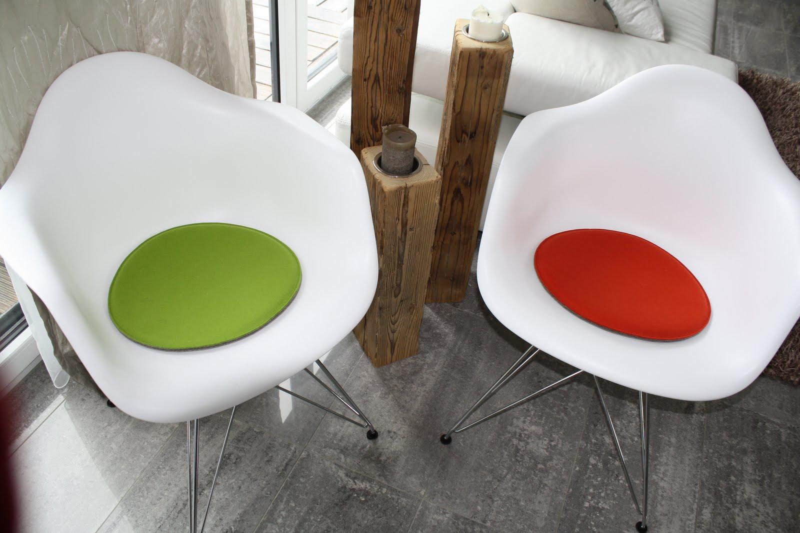 filz wissenswertes und impressionen filzkissen f r eames plastic armchair. Black Bedroom Furniture Sets. Home Design Ideas