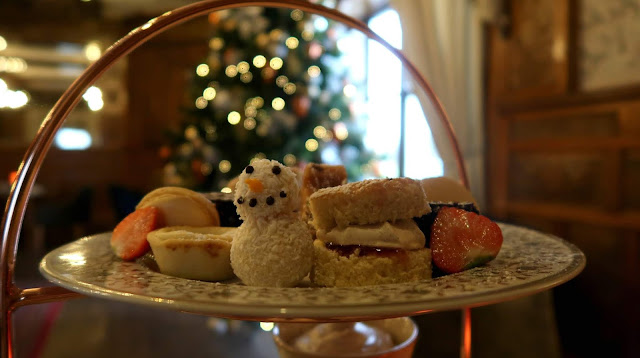Danielle Levy, Leasowe Castle, festive afternoon tea, afternoon tea, Liverpool blogger, Wirral vlogger,