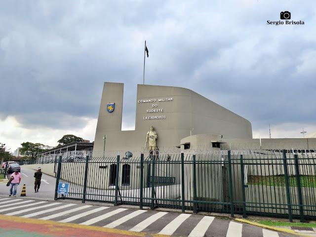 Vista ampla da entrada do Quartel General do Exército - Comando do Sudeste - Paraíso - São Paulo