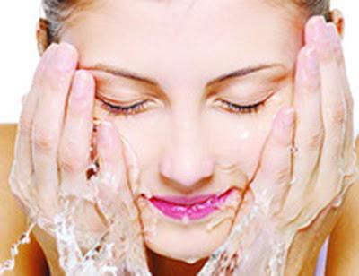 Cuci Muka, Apakah Sudah Cukup Hilangkan Bakteri?