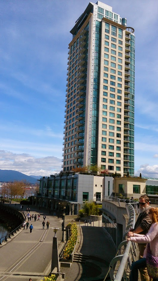 Rooftop beauty among Vancouver's concrete canyons