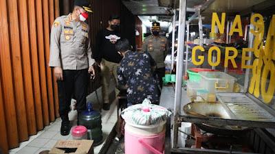 Berkah Pedagang Angkringan dan Nasi Goreng di kawasan Citra Raya, Kapolresta Tangerang Borong Dagangannya