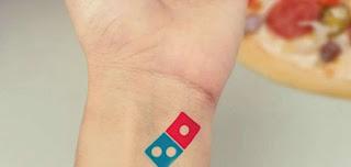 Θα έχεις δωρεάν πίτσα για πάντα αν κάνεις τατουάζ το σήμα της Domino`s Pizza