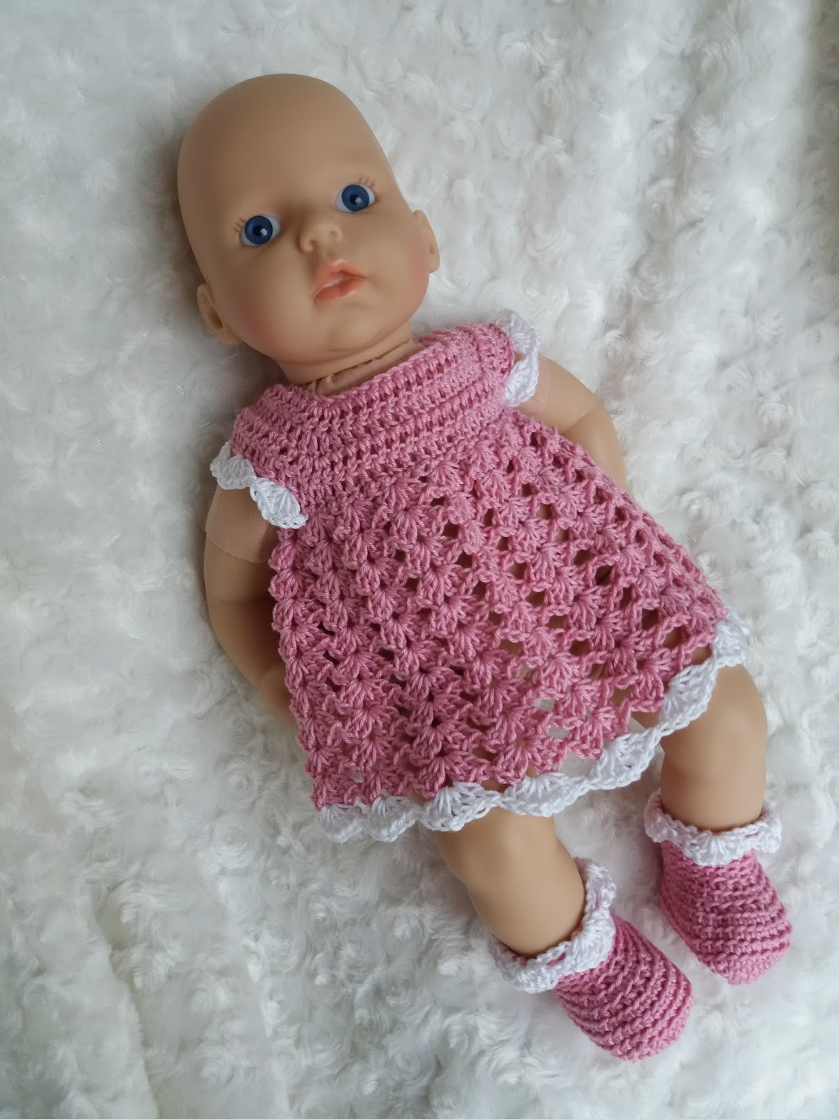 Linmary Knits: Annabell crochet dress and booties