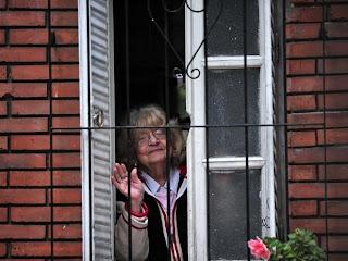 Amalia, desde la ventana