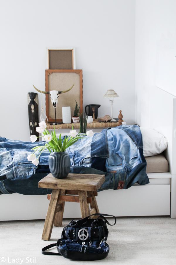 Jeansblaue Wohnaccessoires, Interior Trend 2017 Blue Jeans, Jeansdecke DIY, wie näht man eine Decke aus alten Jeans mit Anleitung, Tagesdecke, Bettüberwurf aus alten Jeans