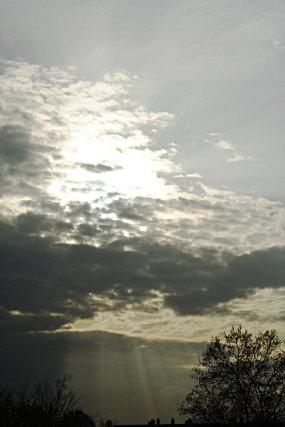 Rayons de soleil au travers des nuages (avril 2007)