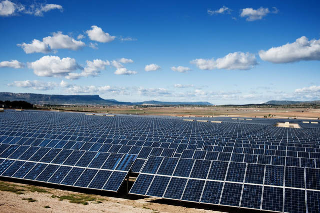 Morocco is building the largest solar power plant the world