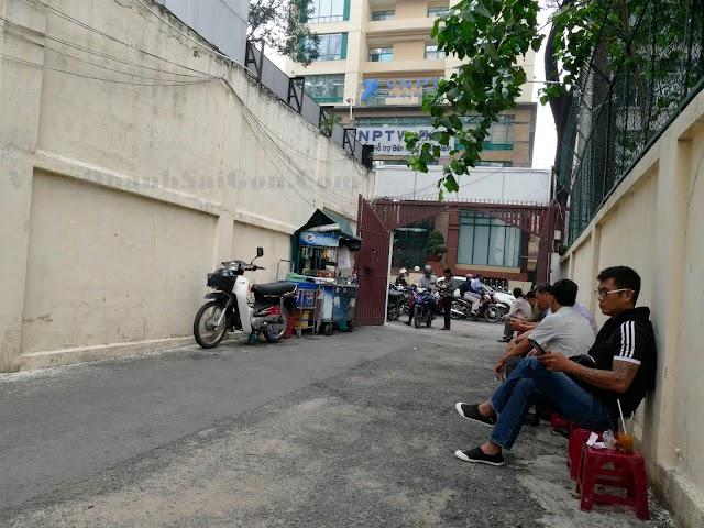 """Cà phê hẽm """"Trịnh"""" lặng lẽ 32 năm ở Sài Gòn"""