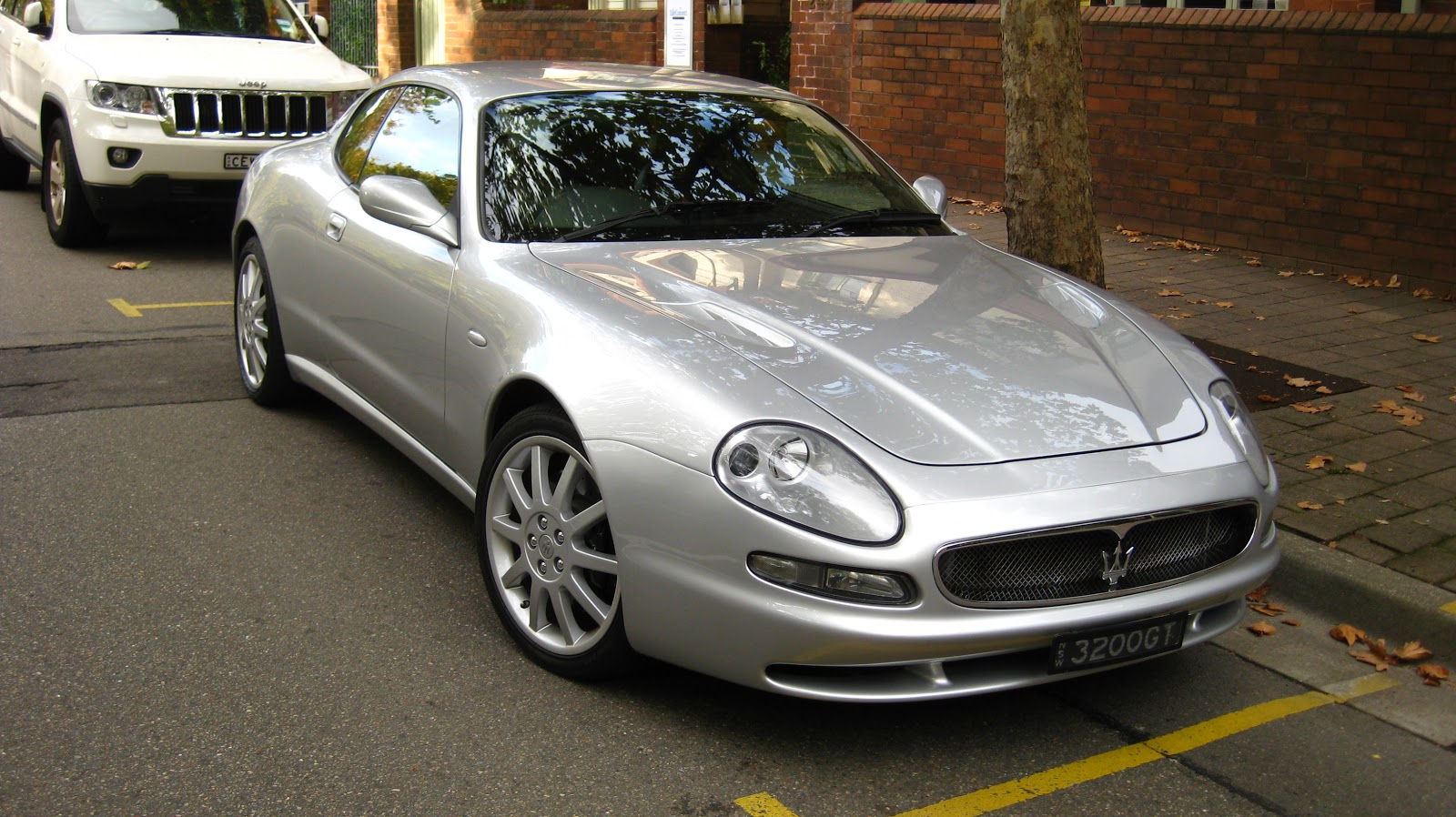 Aussie Old Parked Cars: 2000 Maserati 3200 GT