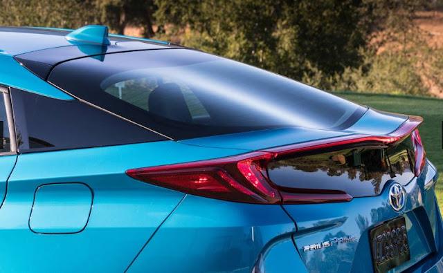 2018 Toyota Prius Prime Interior