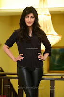 Shruti Haasan Looks Stunning trendy cool in Black relaxed Shirt and Tight Leather Pants ~ .com Exclusive Pics 015.jpg