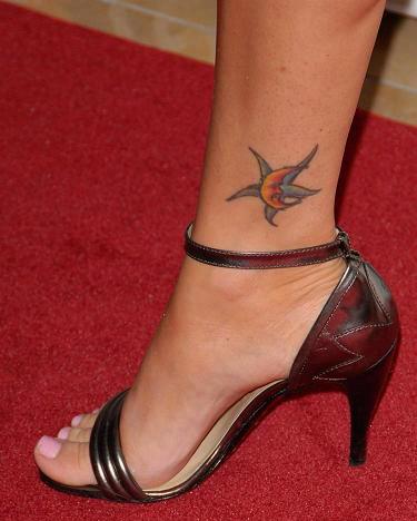 celebrities tattoo les tatouages de megan. Black Bedroom Furniture Sets. Home Design Ideas