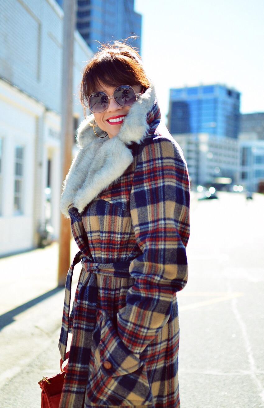 Fur collar street style