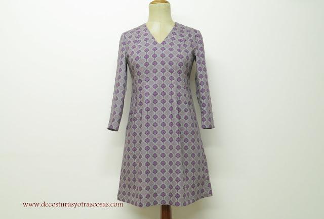 vestido escote pico