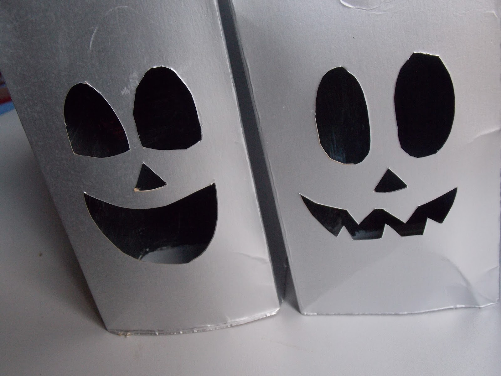TMVbijoux Fantasma com caixa de leite Como fazer decoraç u00e3o Halloween -> Decoração De Halloween Com Materiais Reciclados