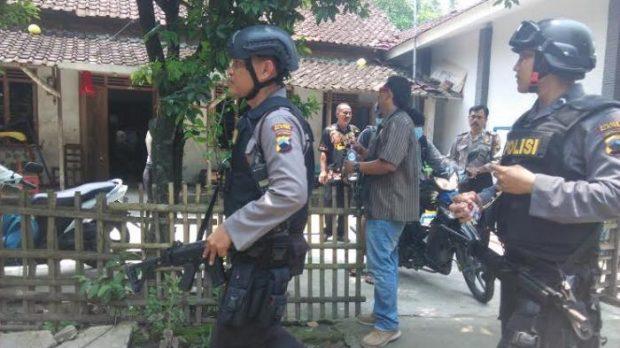 Sri Bintang: Baru Terduga Teroris Udah Dibunuh, Iki Piye?