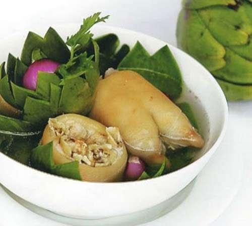 Móng giò hầm hoa Atiso có tác dụng thanh nhiệt, giải độc, lợi tiểu, nhuận trường,…