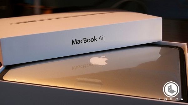 Desain Apple MacBook Air MJVG2