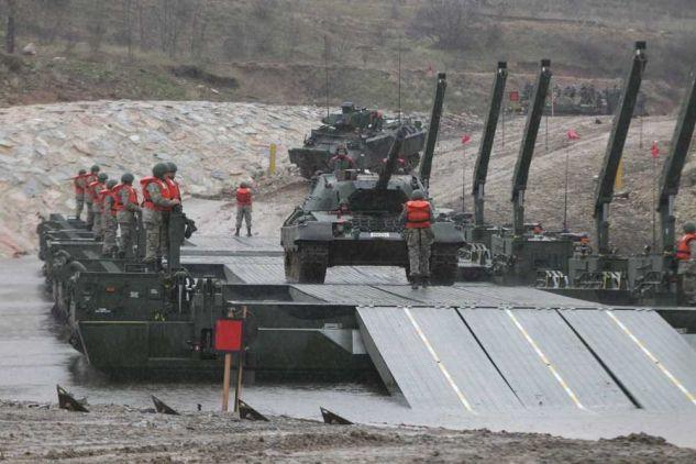 «Είμαστε έτοιμοι – Περιμένουμε στις όχθες να σας θερίσουμε»! Η απάντηση του Ελληνικού Στρατού στην τουρκική άσκηση βίαιης διέλευσης του Έβρου
