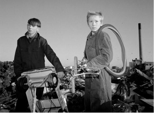 Boys, Bidston, Birkenhead Merseyside, 1996 © Ken Grant