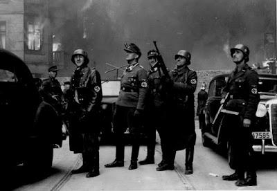 Control de las SS alemanas. Lo mejor que te podía caer era una multa.