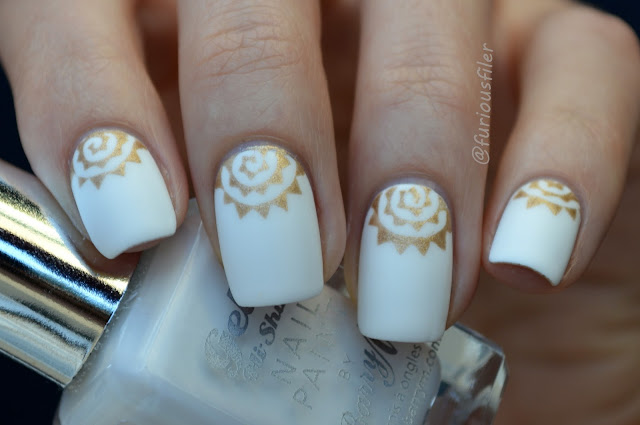 #31dc2015 half moon matte white chalky nails