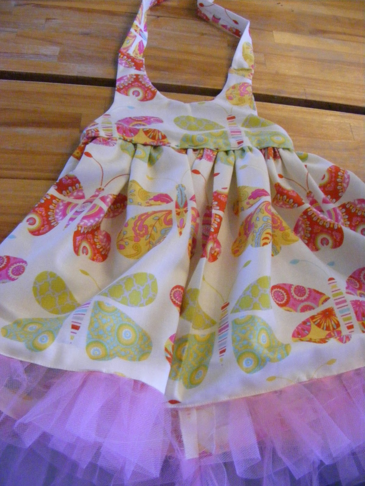 426bb8736 Baby Halter Dress  free pattern and tutorial